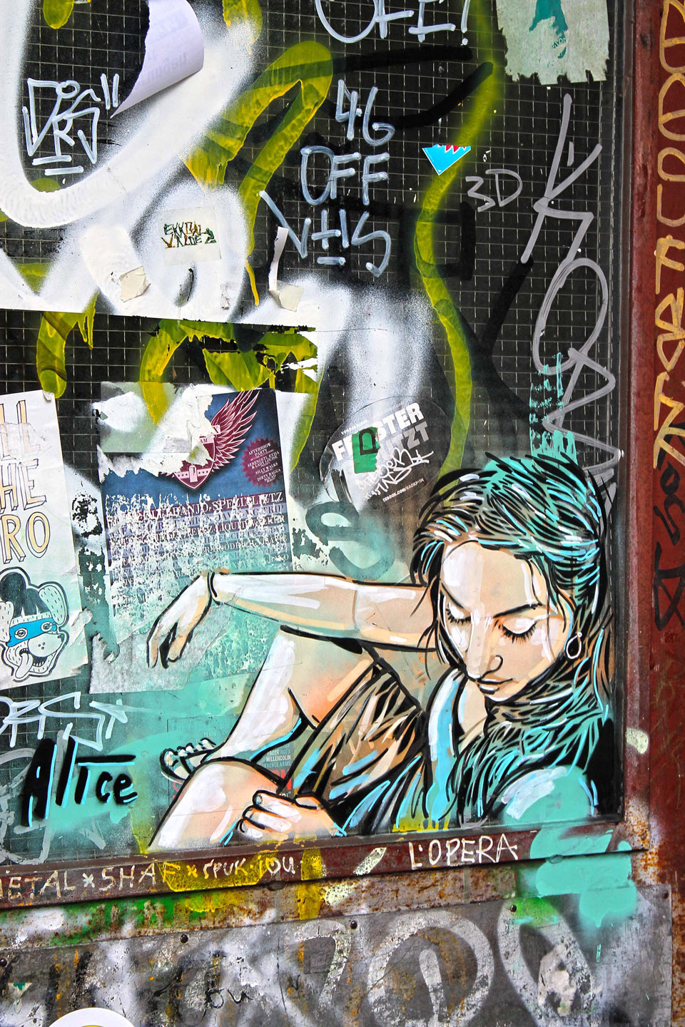 Street Artist: Alice Pasquini - Girl Door - Fotos: Street Art Berlin