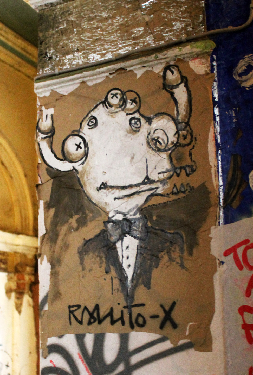 Street Art Berlin - Rallitox: Business Man - Photos and Report by Street Art BLN