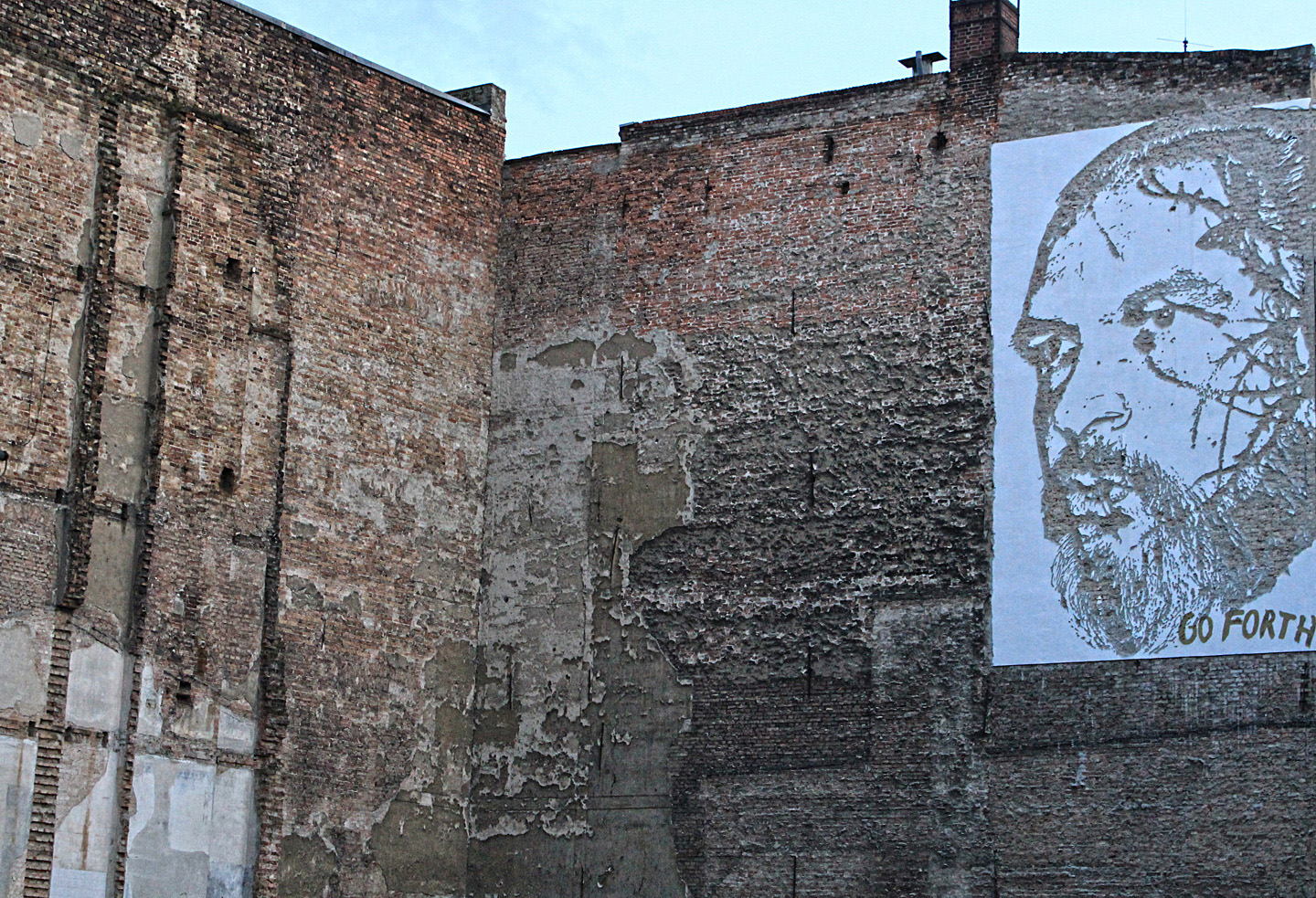 Street Artist: Vhils aka Alexandre Farto hits Berlin Portrait of Sven Marquardt - Fotos and Reort by: Street Art Berlin