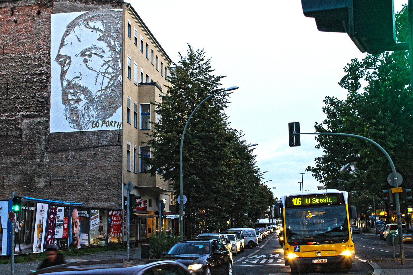 Street Artist: Vhils aka Alexandre Farto hits Berlin Portrait of JSven Marquardt - Fotos and Reort by: Street Art Berlin