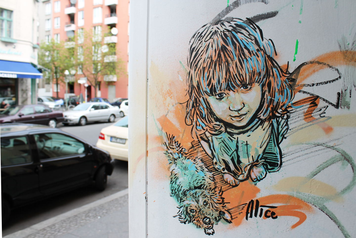 Street Art by AliCé aka. Alice Pasquini in Berlin