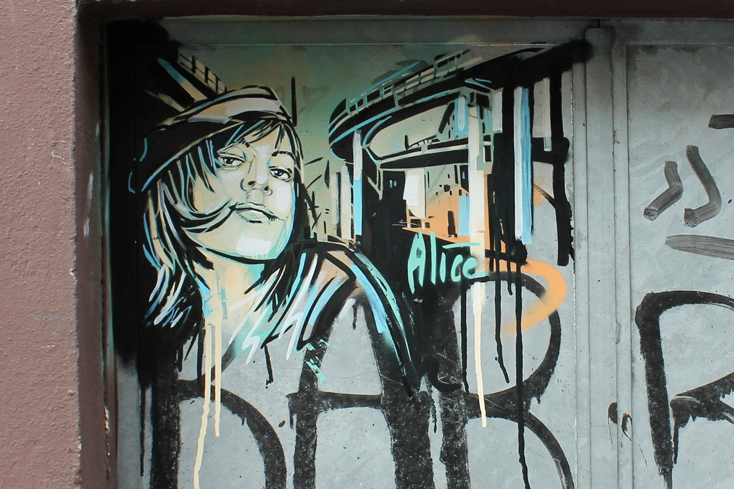 "Street Art by AliCé aka. Alice Pasquini ""Monorail"" in Berlin"
