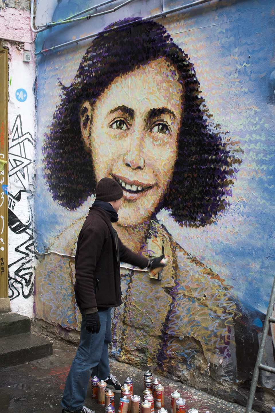 Street Artist Jimmy C. painted a mural of Anne Frank in Berlin