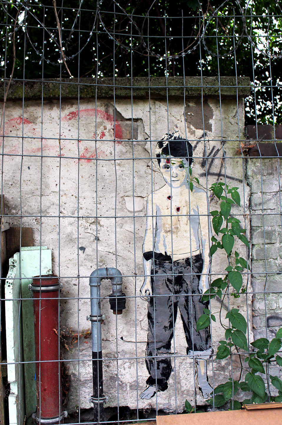 Photo shooted boy by Berlin based stencil Street Artist Alias
