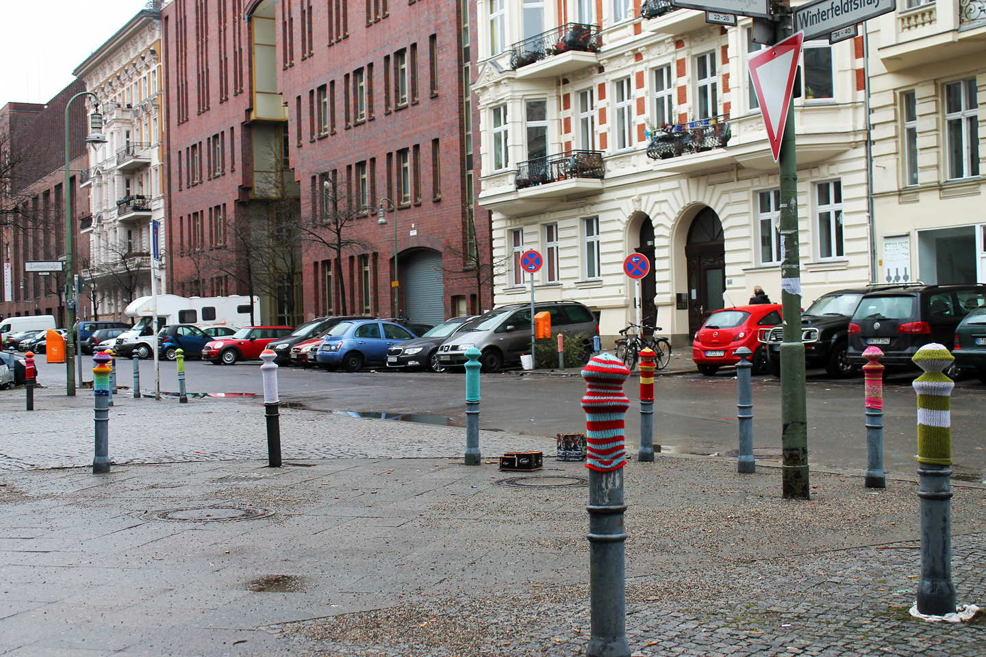 Guerillia Knitting (Yarn Bombing) Street Art in Berlin Schoeneberg
