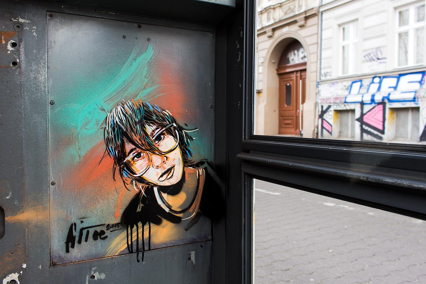 Alice Pasquini - Telephone Box - Streetart Berlin in 2015