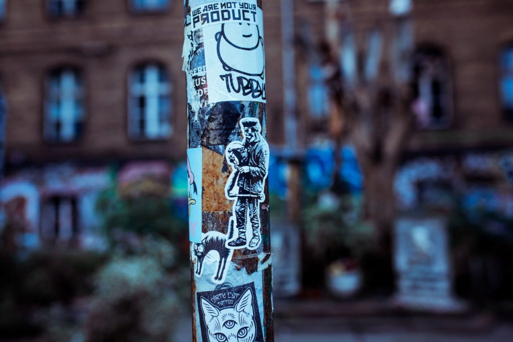 Edward von Longus Sticker in Berlin-Wedding